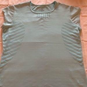 Nike Aqua Dry Fit Tank L